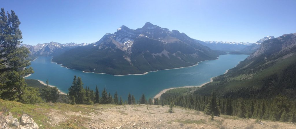 Lake Minnewanka from Aylmer Lookout - photo by Anna Powell @AnnasBanff