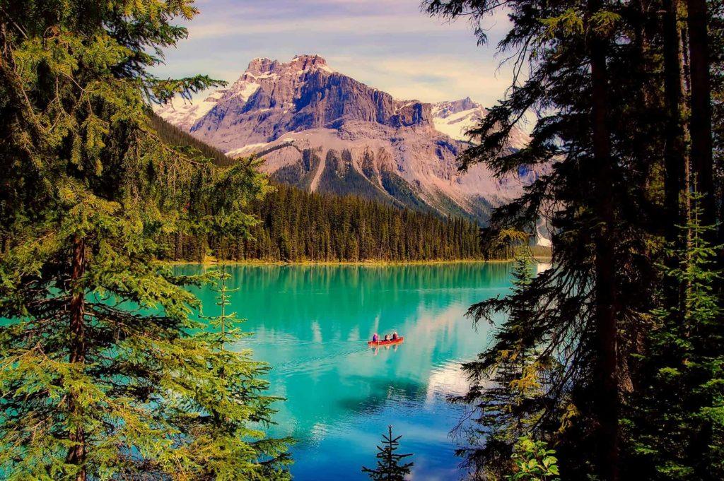 emerald-lake-2406054_1920