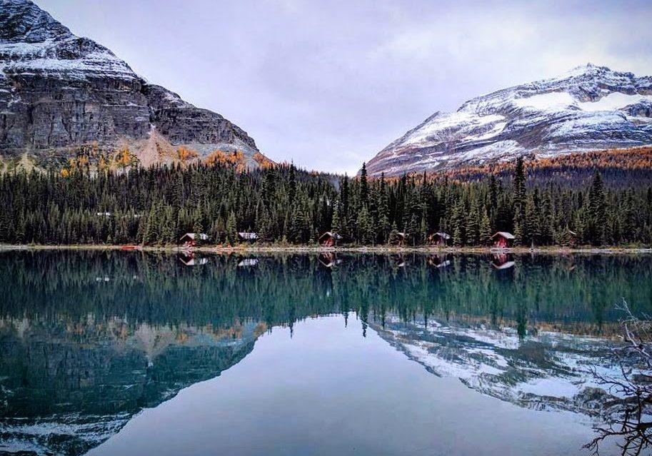 Lake O'Hara lodge reflections